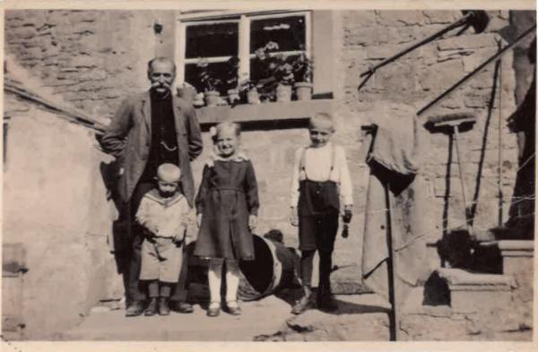 Georg Gehring mit Enkel
